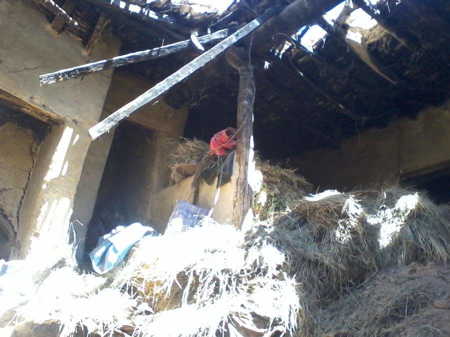 المنازل تسقط ،والمجلس البلدي بميدلت لا يبالي.