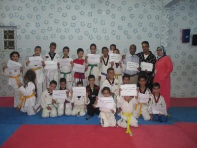 أطفال جمعية الامل للتكواندو بميدلت يتضامنون مع العمراني .