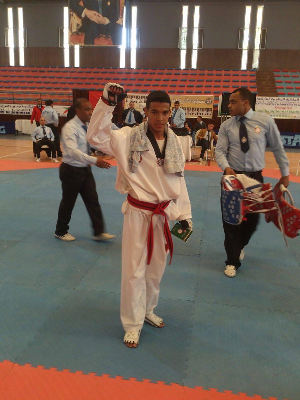 ابن مدينة ميدلت-أنس حجوبي- يتأهل لنهائيات البطولة الوطنية للتايكواندو