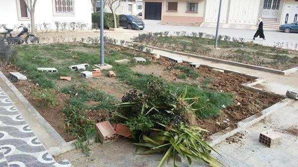 أعداء البيئة خربوا حديقة بحي الرياض بميدلت