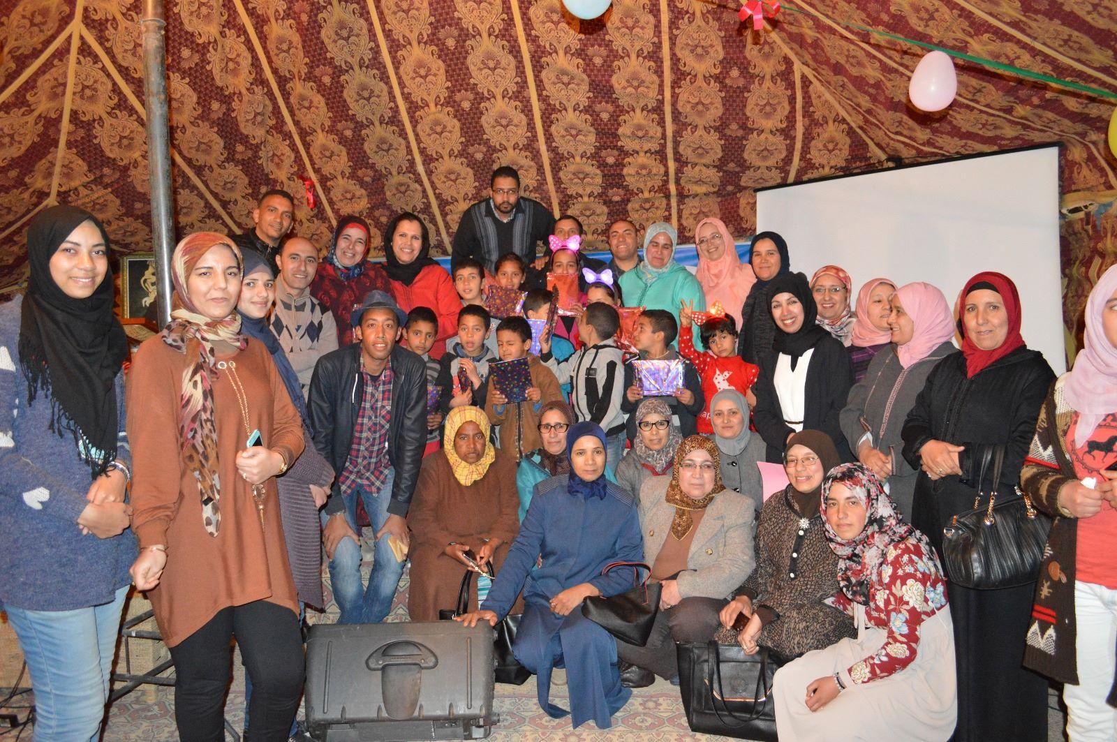جمعية الأعمال الاجتماعية لموظفي و أعوان بلدية ميدلت يكرمون المراة في عيدها العالمي