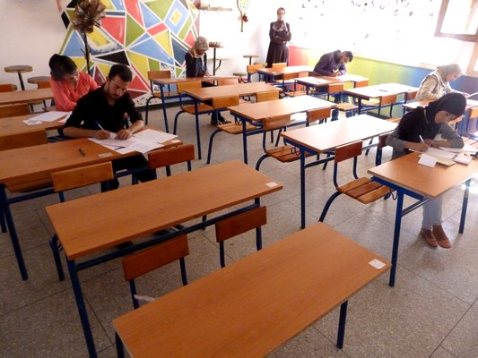 تغيب الأحرارواللجوء للغش بمراكز الامتحان يقلق المترشحين أنفسهم والمسؤولين بالأكاديمية والمديريات الإقليمية  بجهة درعة تافيلالت